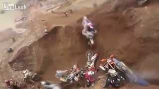 Biker kental jatuh tempat sama