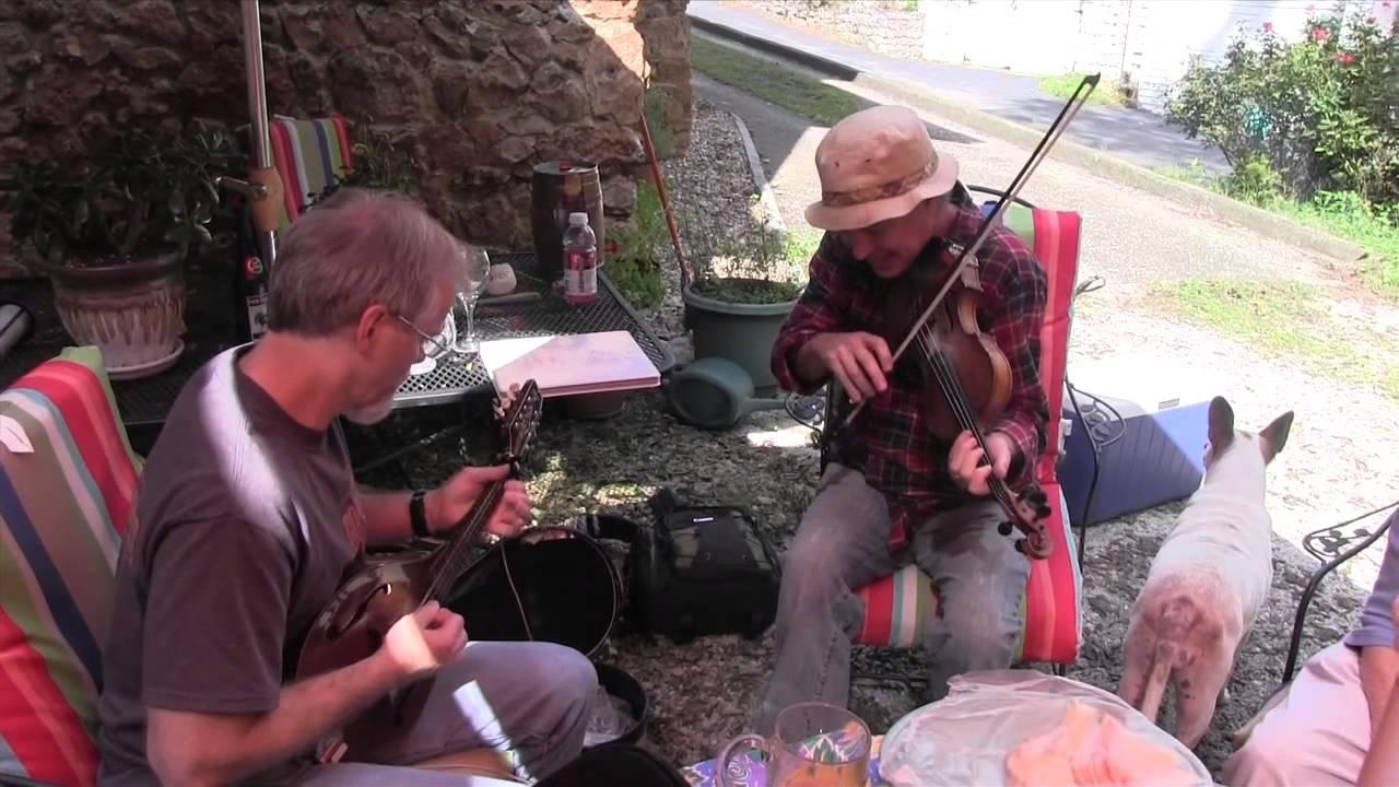 chris carmichael and jason parker informal backyard jam violin