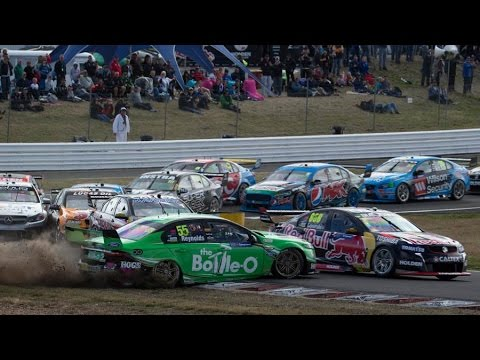 V8 Supercars 2015 All Crashes Compilation