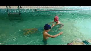 Урок в бассейне