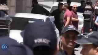شاهد.. وصول عمارة بن يونس إلى محكمة سيدي امحمد للمثول أمام القضاء الجزائري