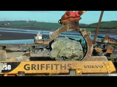 Ferryside Sea Defence Work - Loading Rocks