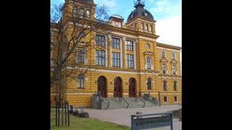 Oulun kaupungintalon vuodenaikoja
