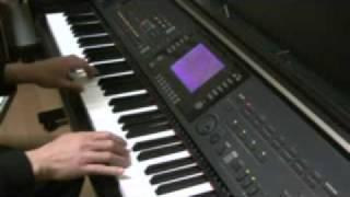 ピアノでMorning After弾いてみました.