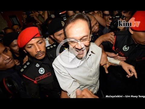 'Angkat tangan pun Anwar dah tak mampu'