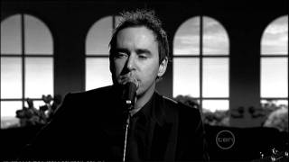 Damien Leith singing