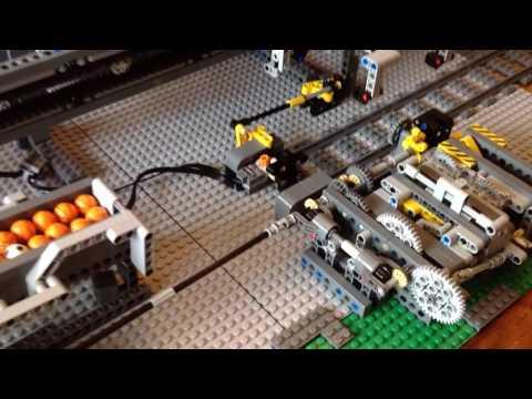 Akiyuki train module with crane