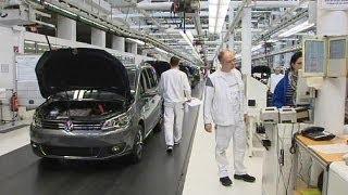 Les ventes de voitures en Europe interrompent enfin leur chute - economy