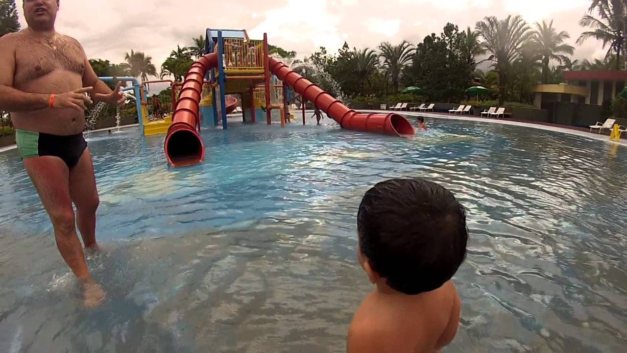 Piscina infantil 2 sesc bertioga 30 03 2013 youtube for Piscinas desmontables infantiles