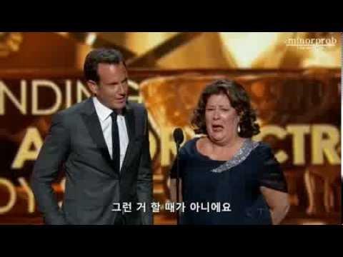 Will Arnett & Margo Martindale presenting at Emmys 2013 Korean sub