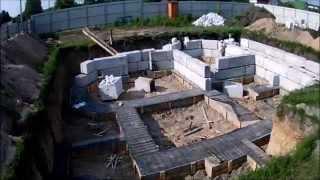 Смотреть видео строительство дома с цокольным этажом видео