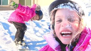 🏂KIDS FIRST TIME SNOWBOARDING   AWESOME KID SNOWBOARDERS   DYCHES FAM