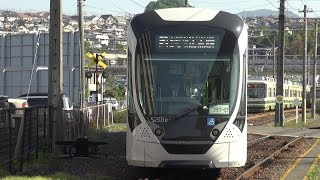 広島電鉄5200形5201号 宮島口駅留置線から3番線に入線