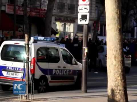 Man attempts to attack Paris police, shot dead