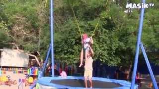 Лукоморье-аттракцион «Прыжки»(В детском парке Лукоморье есть аттракцион, с помощью которого можно допрыгнуть аж до звезд на небе. Что..., 2014-08-29T11:36:32.000Z)