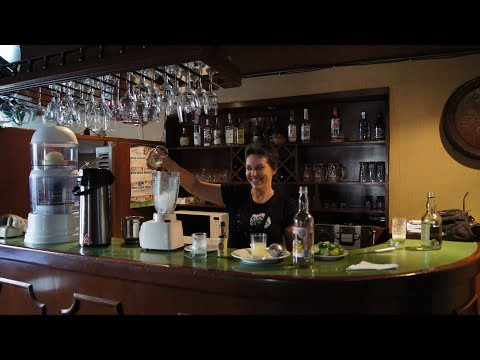 Night Walking Tour and Pisco Sour Lesson in Cusco, Peru
