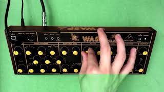 BEHRINGER WASP DELUXE   Moot Booxle   No Talking.