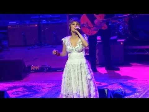 "Clare Bowen- ""Love Steps In"" (Nashville In Concert, Birmingham, UK)"