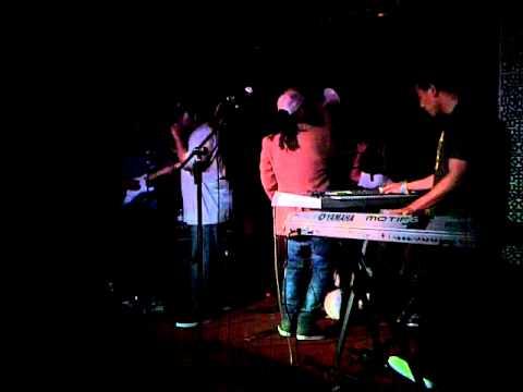 Ladies and Gentlemen...Breezy Lovejoy! Live at Little Temple 6/30/11