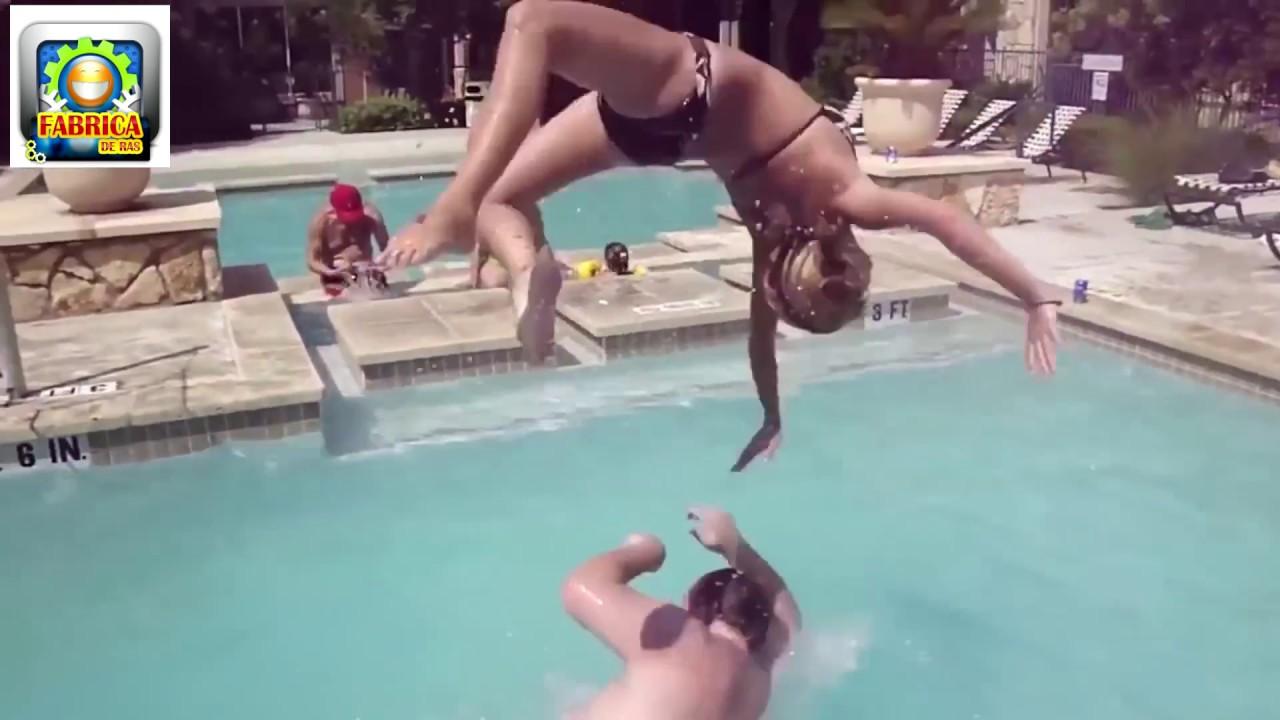 Faze comice la piscina   Mori de ras Colaj (mori de ras)