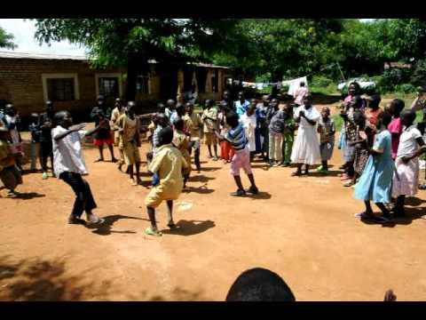 Rwanda school kids dance.AVI