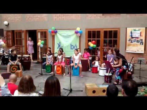 Ver Video de Kalimba Clausura del taller de verano, Kalimba 2016. Leslie Patten