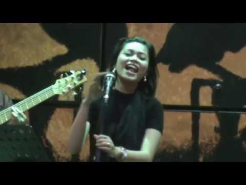 Akhirnya - Gigi , Cover by Della Firdatia with Soda Lounge Band , Jogja Indonesia