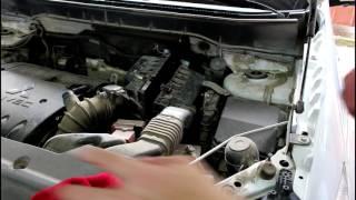 Mitsubishi ASX  Мицубиси АСХ 1,8 2013 года Замена масла и фильтров в двигателе