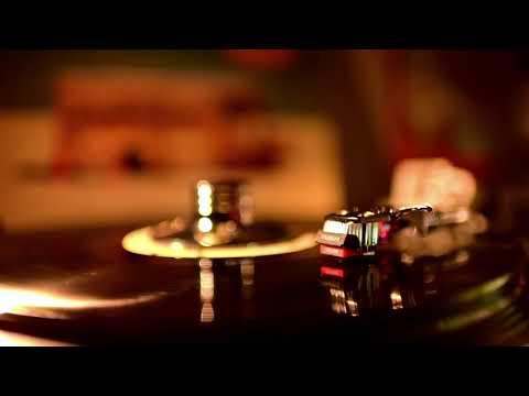Pet Shop Boys - Domino Dancing 7'' Version [Vinyl HD]