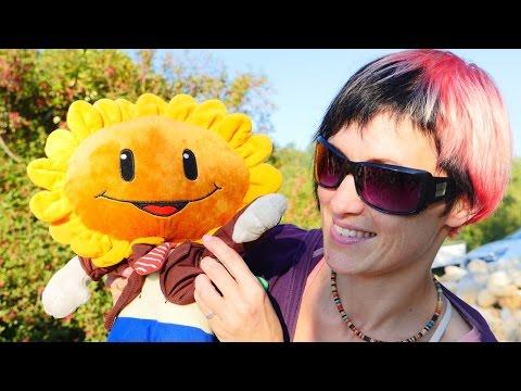 Видео квест Растения против Зомби. Игра Plants vs Zombies игрушки и испытания