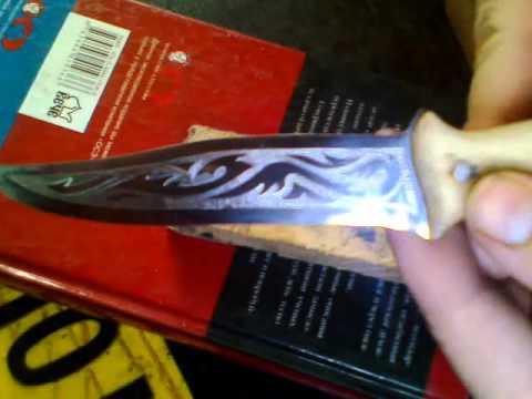 Гравировка на ноже.