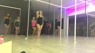 PoleFlow to Slave for you by Britney Spears Pole Dance Pole Choreography
