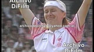 Jana Novotná vs Martina Navrátilová 6 - 4 y 6-4 - Semifinal Campeonato de Wimbledon - DiFilm (1993)