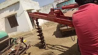राजस्थान कृषि यंत्र  उद्योग दौसा, 👉हाइड्रो मशीन गड्ढा खोदते हुई