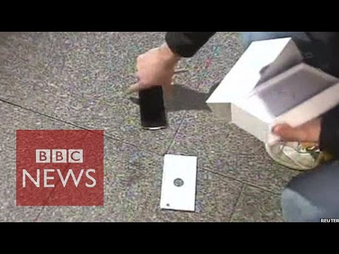 Brand New IPhone 6 Dropped By Fan Live On Australian TV  - BBC News
