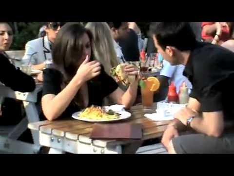 Kate Middleton Eats A Burger Youtube