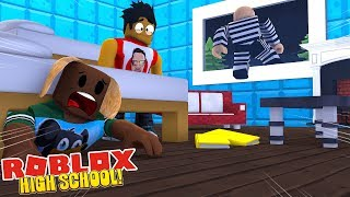 CATCHING A ROBBER IN ROBLOXIAN HIGH SCHOOL - Roblox gaming adventures