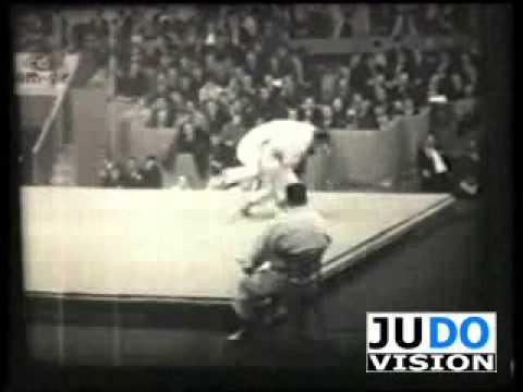 JUDO 1961 World Championships: Leo Gisin (SUI) - Han Ho San (KOR)