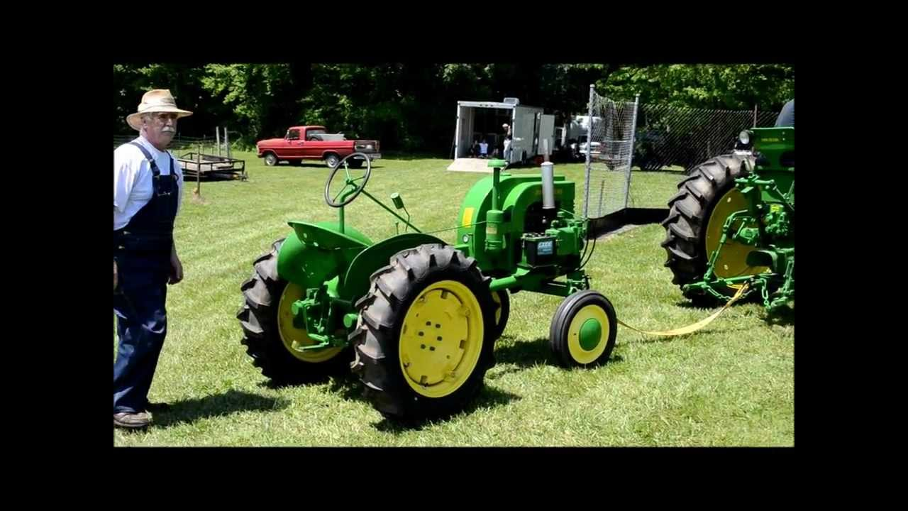 Antique Tractor John Deere Restored