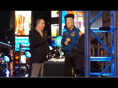 Astronaut Mike Massimino in Times Square on New Year's Eve