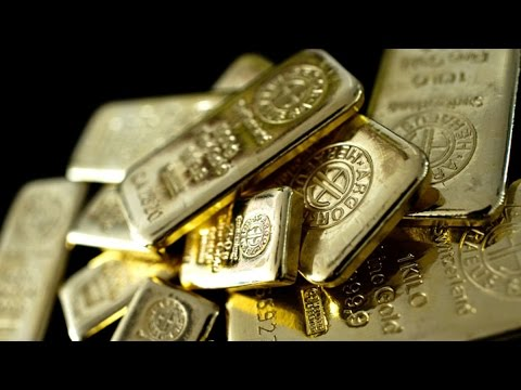 Gold May Slump to $800 on Market Fundamentals, Price Says