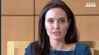 Polemiche su Angelina Jolie e il suo ultimo film da regista