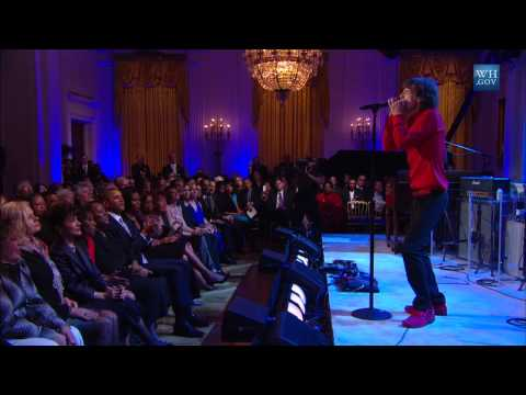 "Mick Jagger Performs ""Miss You"" at In Performance"