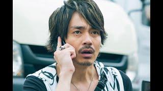 パチンコ店に並んでいる田川のりお(青柳翔)に、友達から衝撃的な電話...