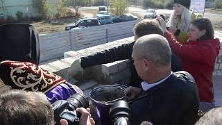 Владыка Андрей и губернатор Гордеев заложили капсулу, Блокнот Россошь, 11.10.2017