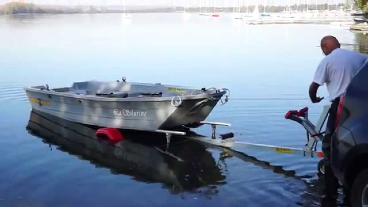 comment mettre une barque l 39 eau sur une remorque sans effort youtube. Black Bedroom Furniture Sets. Home Design Ideas