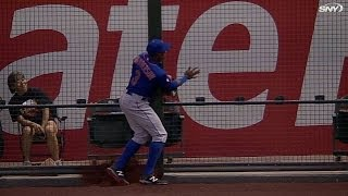 NYM@ARI: Granderson leaves game with an injury