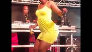 zodwa wabantu Dancing naked ....? so sexy Half naked