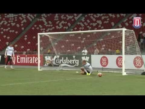Stoke in Singapore: Goalkeeper Training