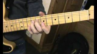 Stealers Wheel Stuck in the Middle with you ( guitar lesson.close up )
